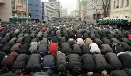 muslims-prayers-france