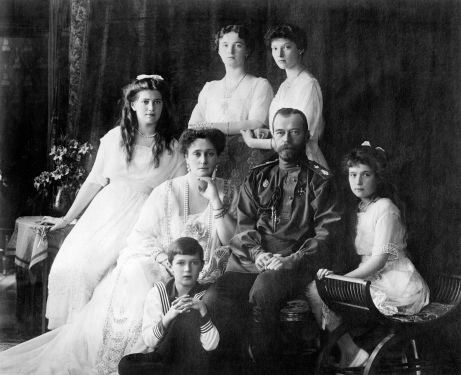 family_nicholas_ii_of_russia_ca-_1914