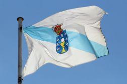 1280px-bandeira_de_galicia_no_pazo_de_raxoi